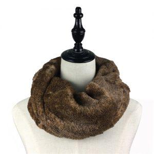 winter-cozy-faux-fur-infinity-scarf-1